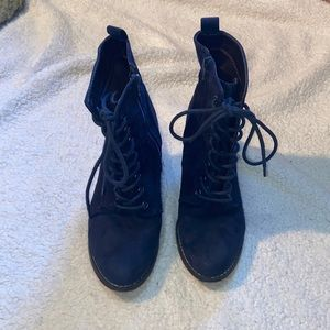 Candie's blue suede boots